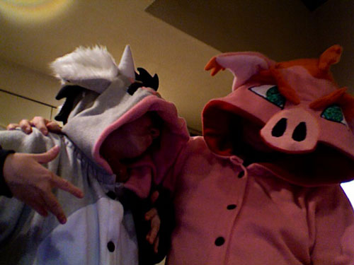 That's Floe on the left with her Floe kigurumi, and me on the right in my Patrick kigurumi, photo by Phillip Albrecht.