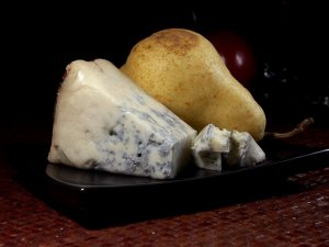 gorgonzola_and_a_pear